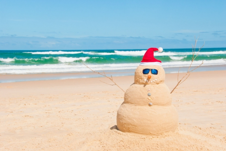 christmas-sand-snowman