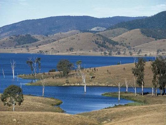 Somerset Dam 9770600