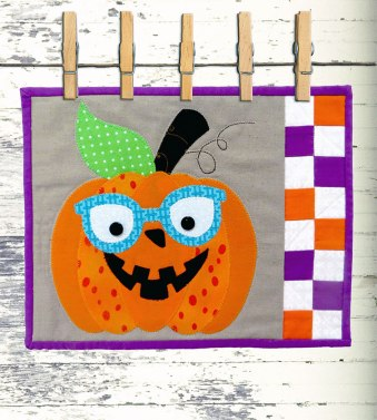 Peggy Pumpkin Mug Rug